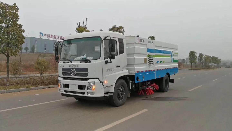 国五天锦扫路车图片