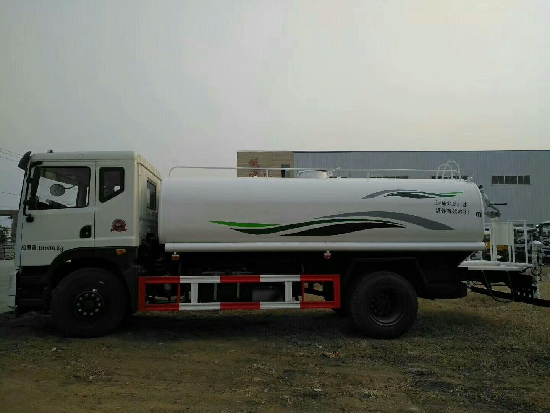东风T515吨洒水车图片
