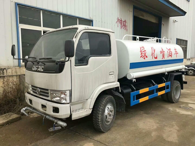 东风5吨洒水车图片