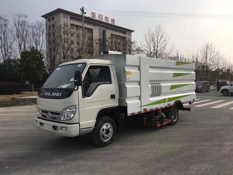福田3360轴距5方吸尘车图片