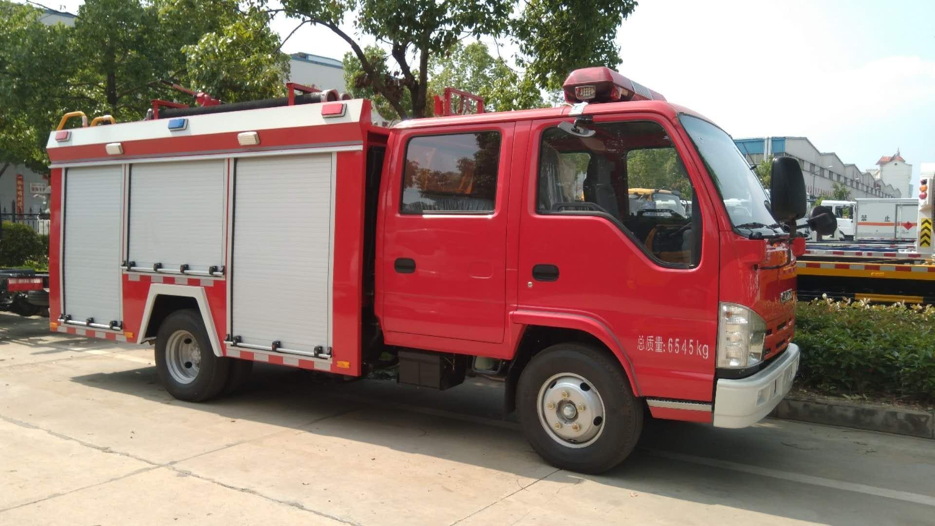 五十铃水罐消防车洒水车图片