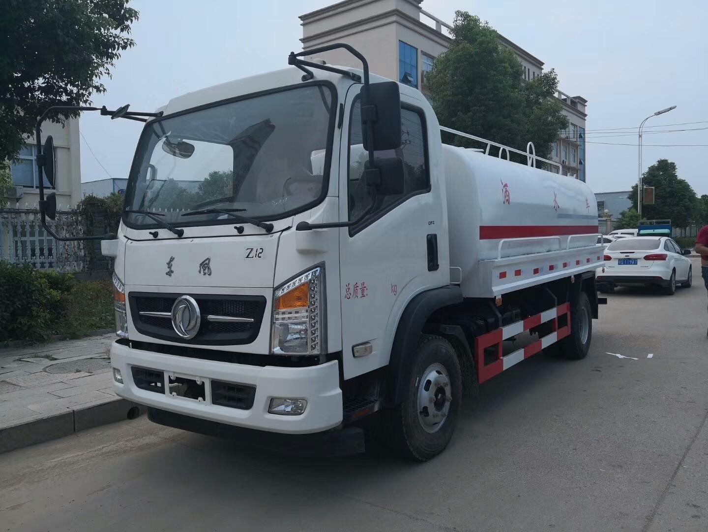 东风D912国五9.3吨洒水车