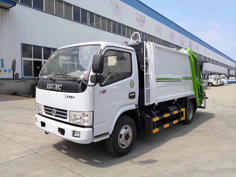 东风小多利卡5吨压缩式垃圾车图片