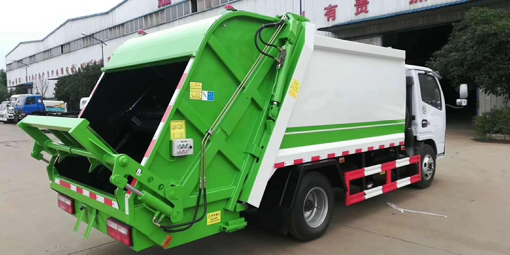 东风压缩垃圾车