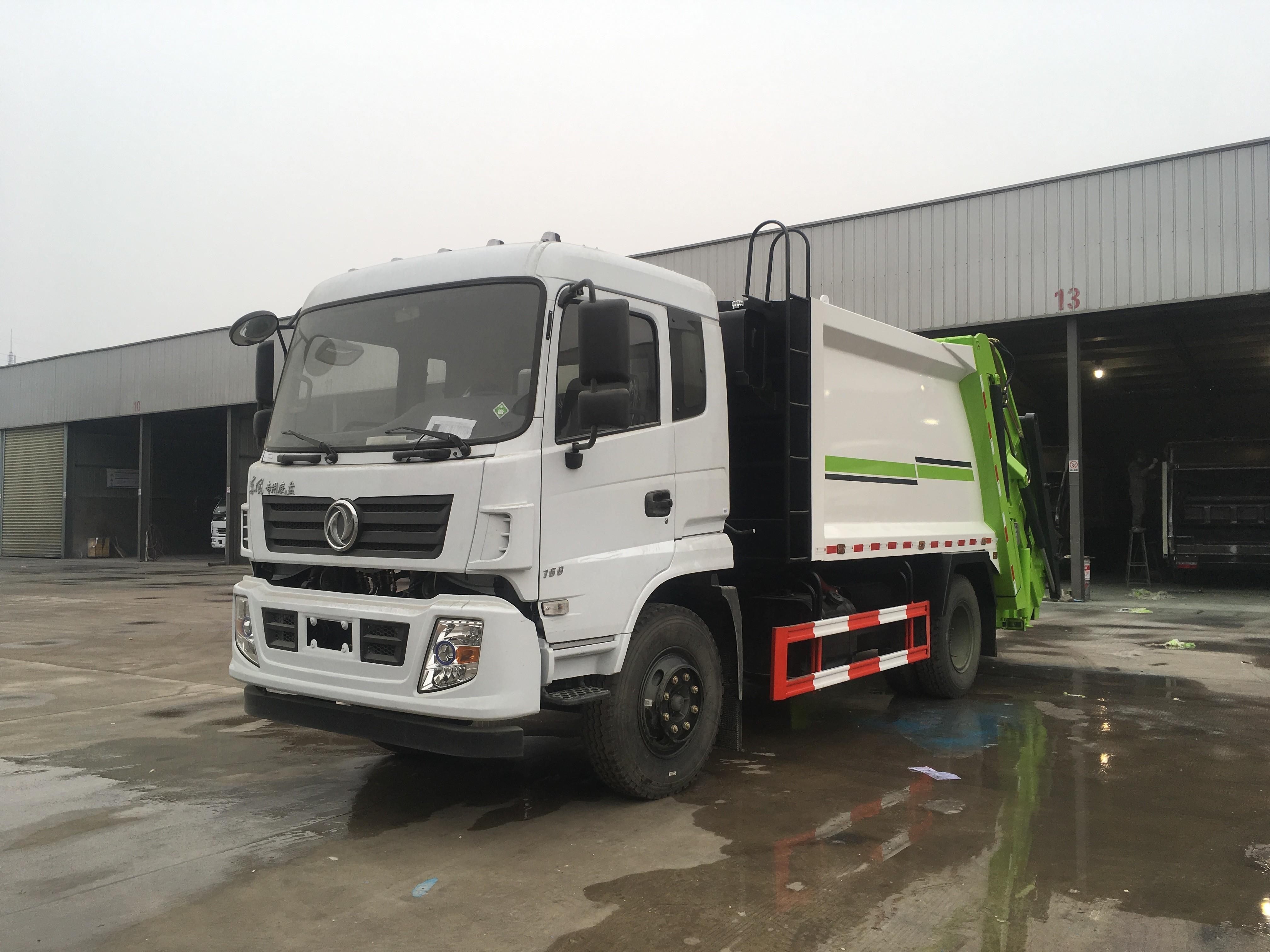 东风专底10吨压缩式垃圾车图片