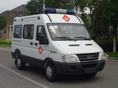 NJK5040XJH4M型救护车