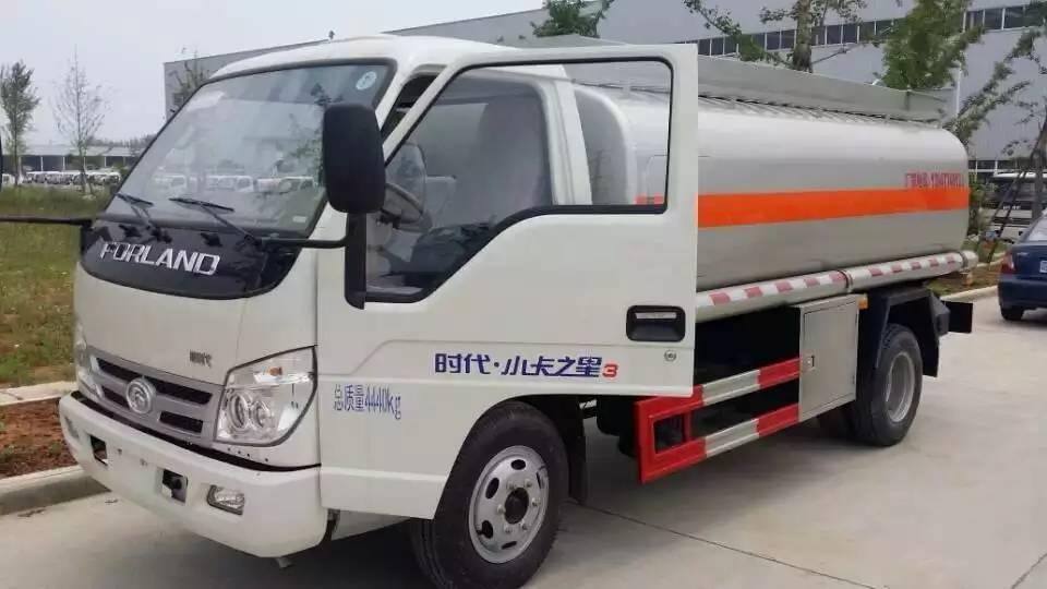 福田小卡之星加油车图片