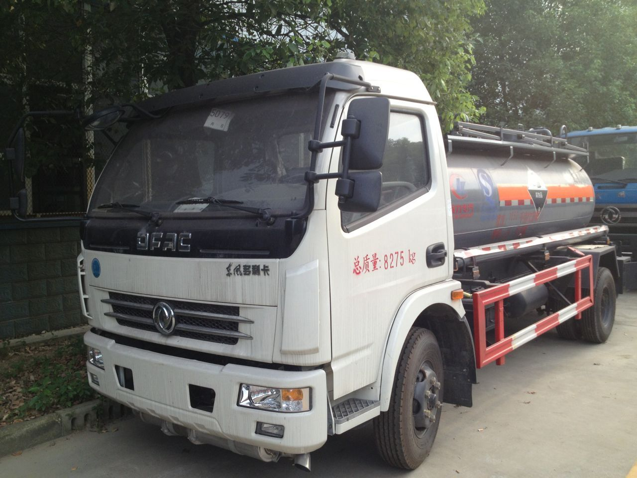 東風多利卡液化氣運輸車圖片