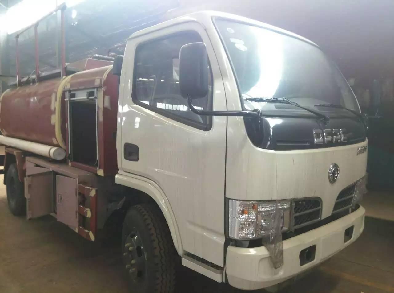 东风145油罐车