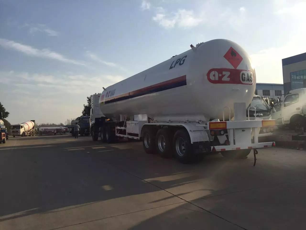 液化气罐车图片