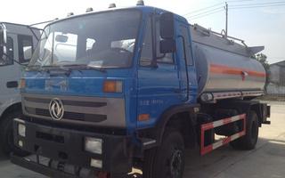 东风化工液体运输车图片
