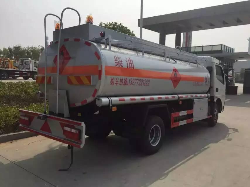 东风多利卡8.3立方油罐车图片