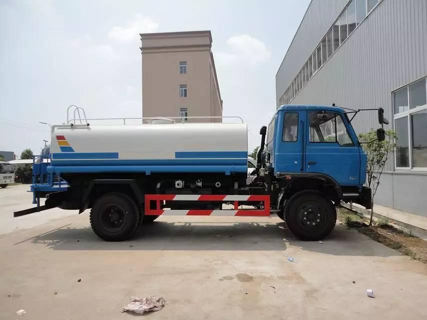 10吨洒水车
