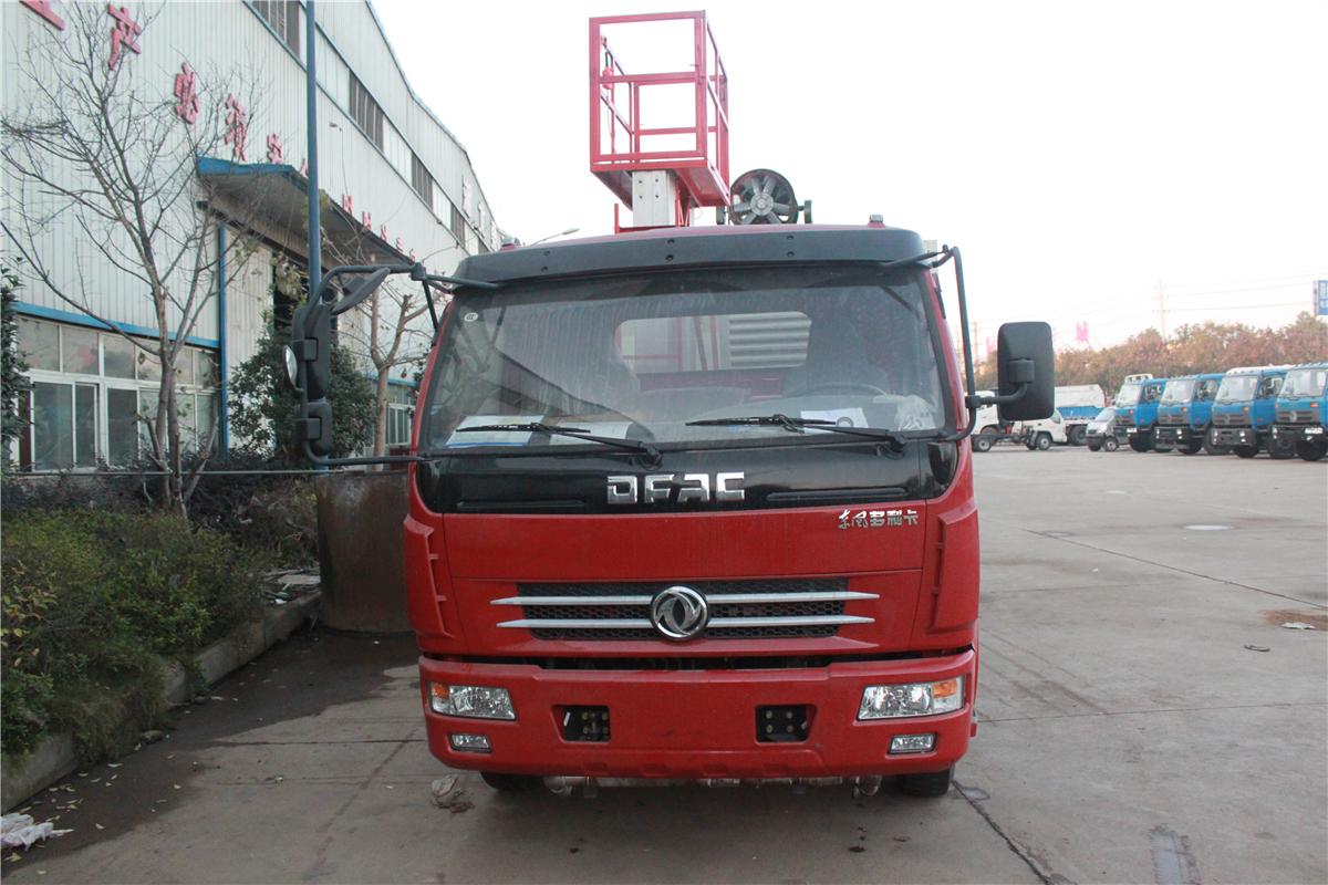 春風D7多利卡8噸灑水車40米抑塵車