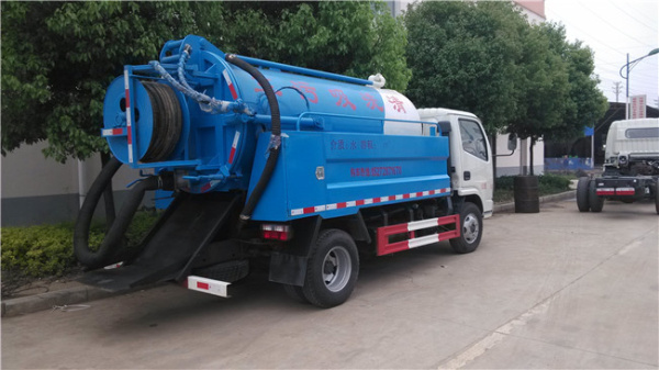藍牌 東風清洗吸污車 (2)