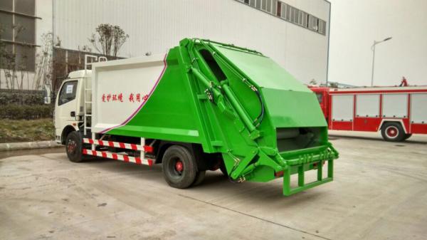 东风多利卡压缩式 垃圾车 (2)