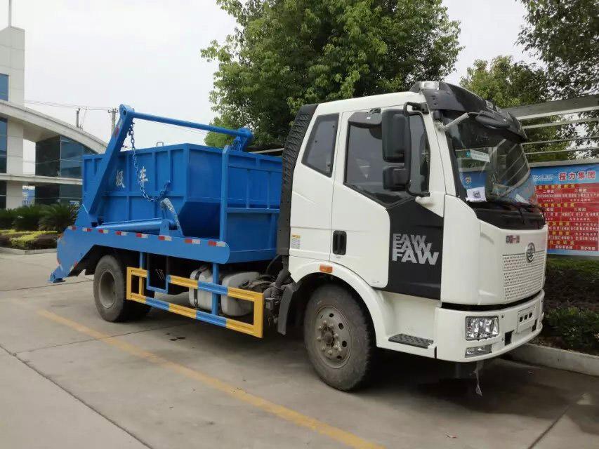 解放擺臂式垃圾車 (2)