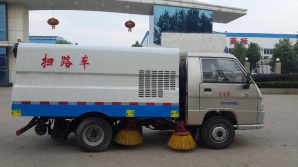 市面上最小型的柴油扫路车3