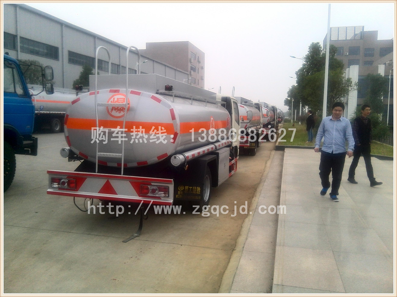 东风小金霸油罐车(3-6立方)