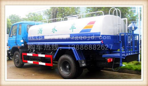 东风8吨洒水车
