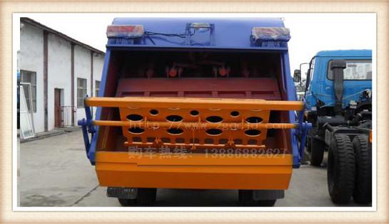 东风国四压缩式垃圾车(6-7立方)