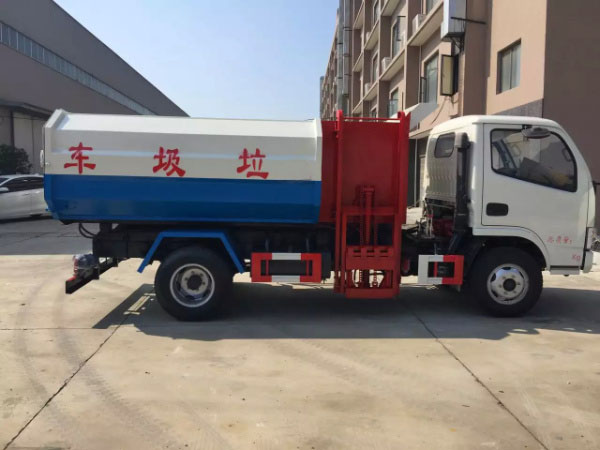 D6东风小多利卡挂桶式垃圾车4