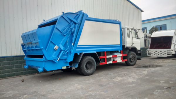 东风145压缩式垃圾车 (2)