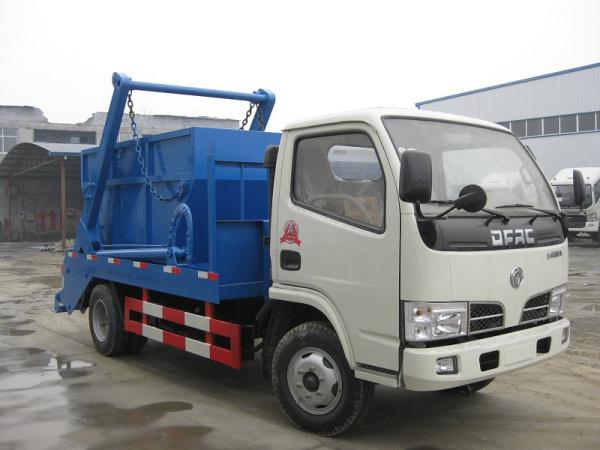 東風小多利卡擺臂式垃圾車4