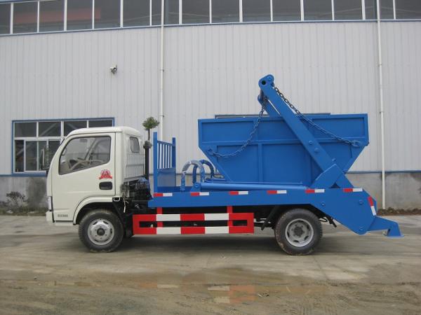 东风小多利卡摆臂式垃圾车1