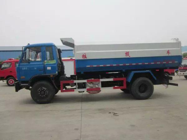 東風153掛桶式垃圾車 (1)