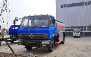 东风153型14.24方油罐车(楚胜)