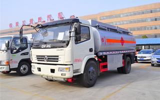 东风多利卡10.5方油罐车(楚胜)图片