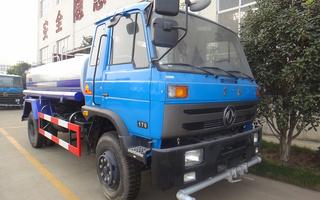 东风10吨洒水车图片