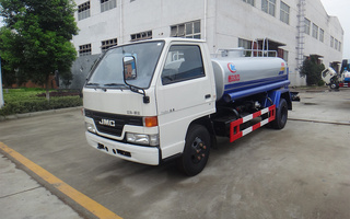 江铃5吨洒水车