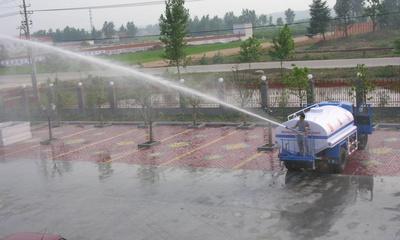 高炮喷洒洒水车