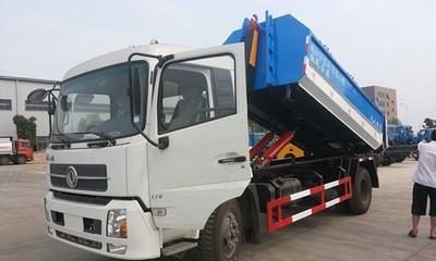 东风天锦勾臂垃圾车视频