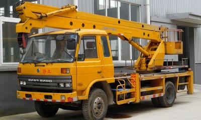 高空作业车,液压升降平台车,2吨随车吊,路灯维修车图片