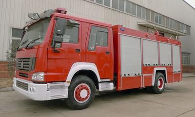 东风小霸王2吨水罐消防车