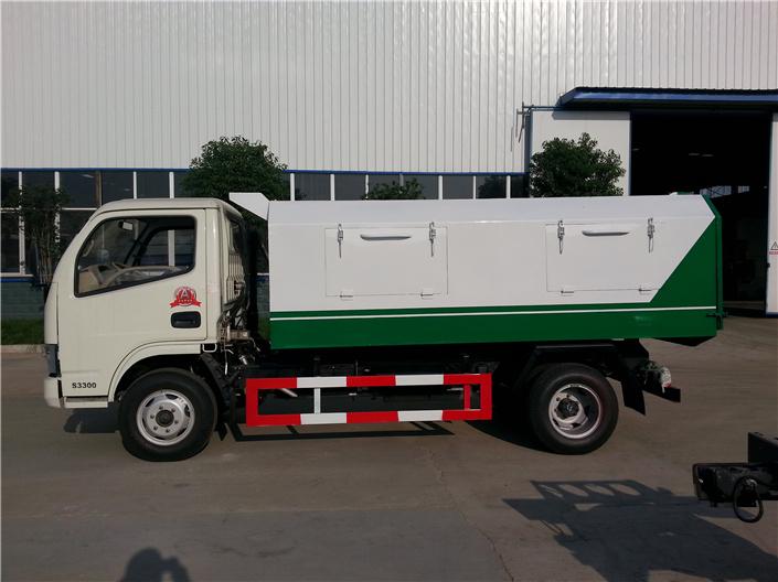 东风福瑞卡密封式垃圾车 (1)