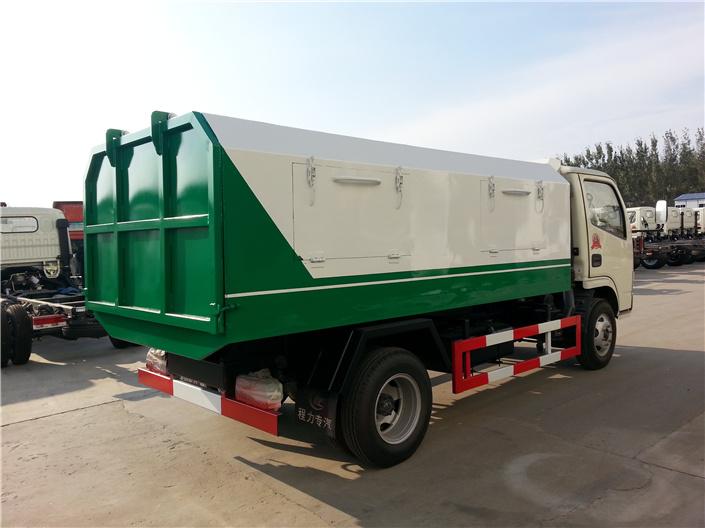 东风福瑞卡密封式垃圾车 (3)