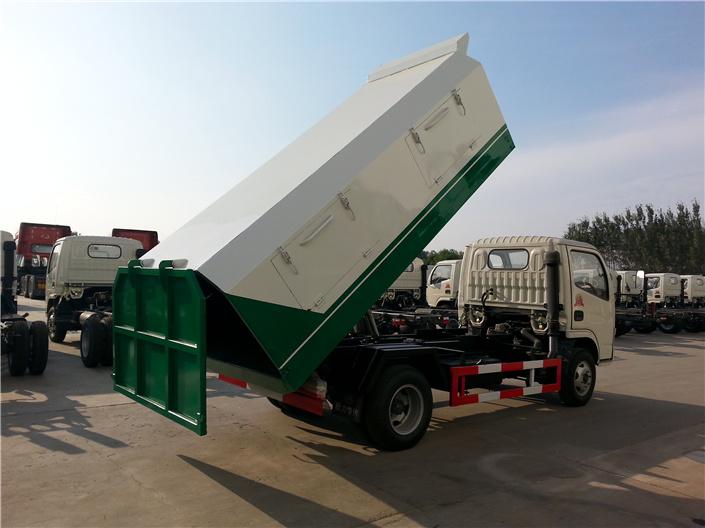 东风福瑞卡密封式垃圾车 (4)