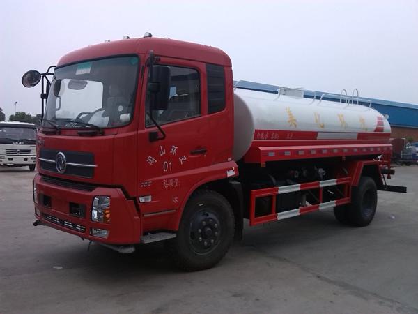 天锦洒水车(红)1