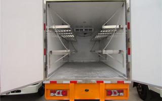 冷藏车车厢带货架