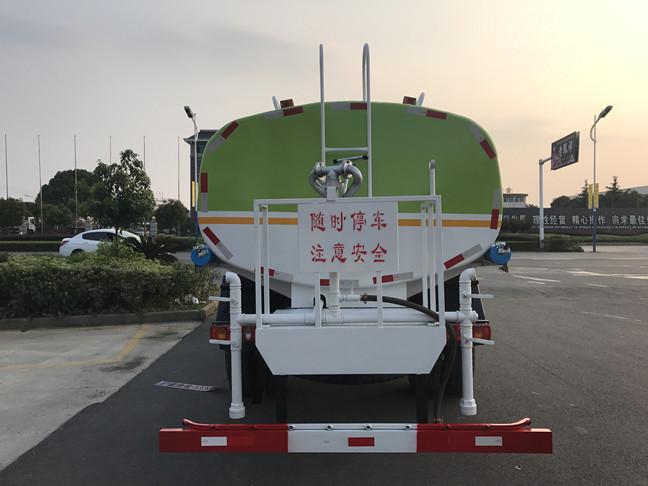 东风153T5洒水车尾部图片