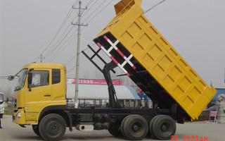 自卸车图片