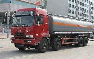 化工液体运输车图片