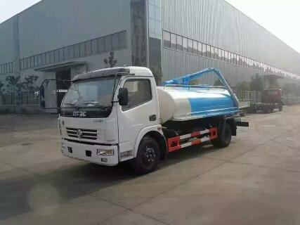 东风5方洒水车
