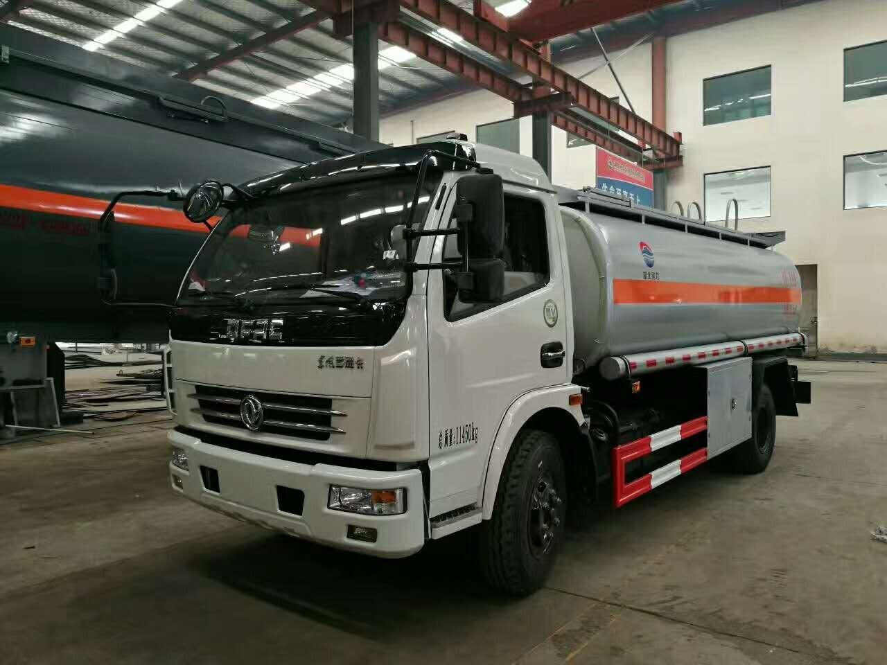 国五玉柴150马力8吨油罐车图片
