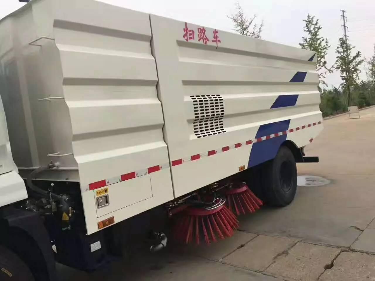 东风天锦洗扫车