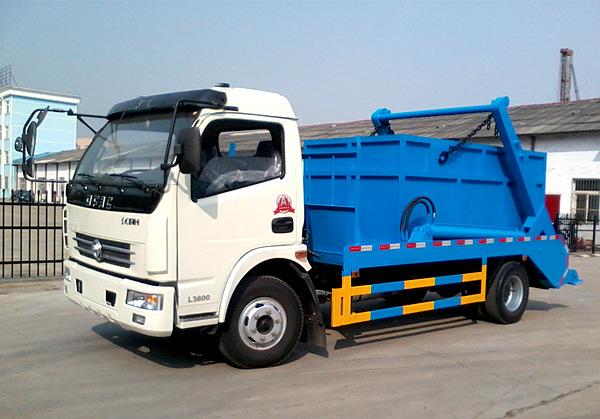 东风大多利卡5吨摆臂垃圾车图片